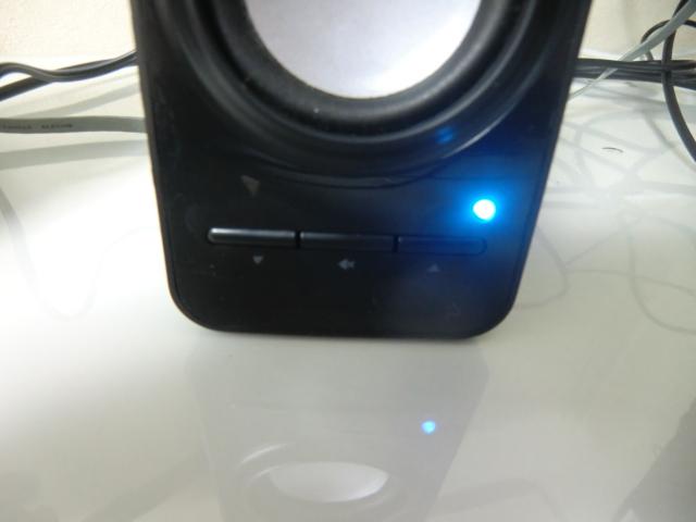 本体の消音スイッチ&ボリューム調節スイッチ