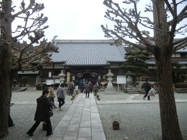 護国寺の中