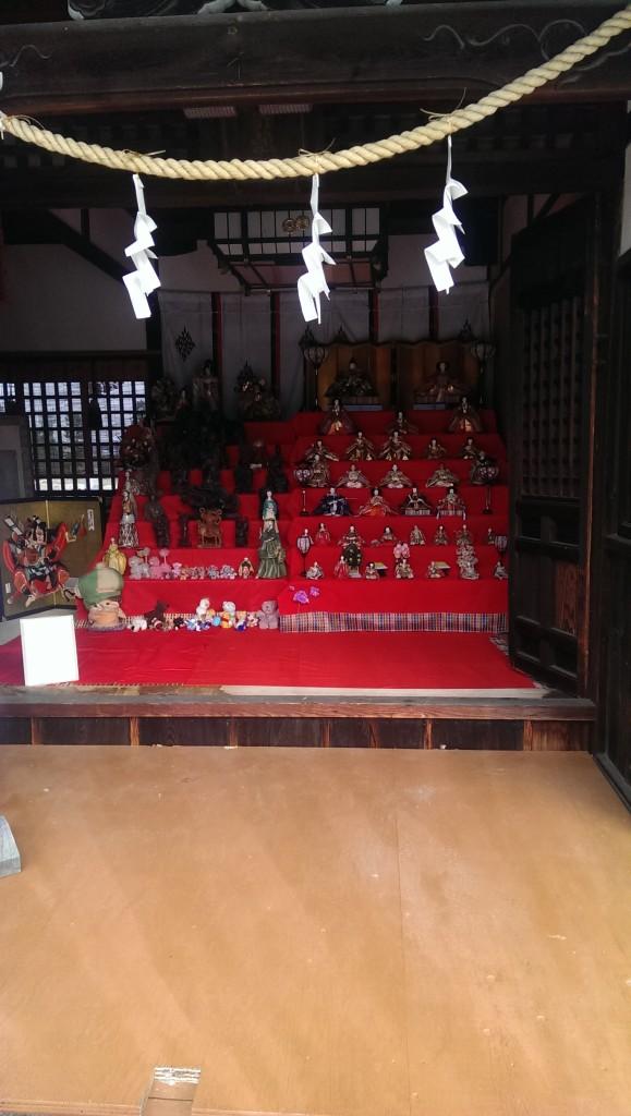百済王神社に飾られたひな祭り