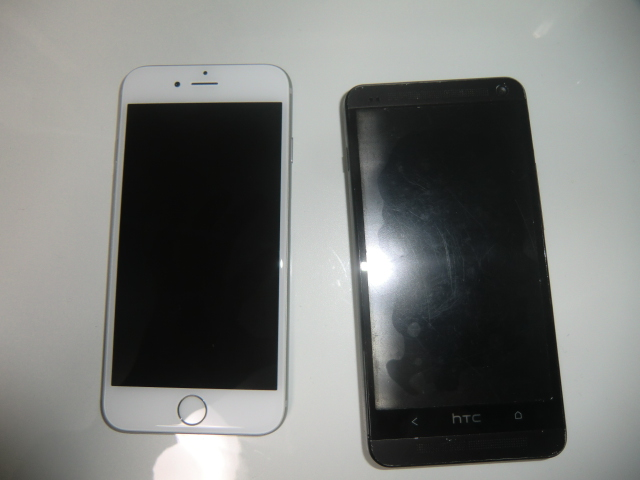 iPhone6sとHTCのスマホ