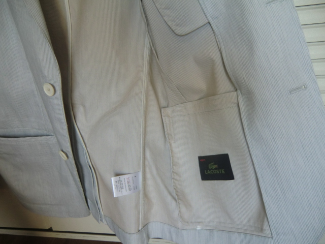 白 テーラードジャケット